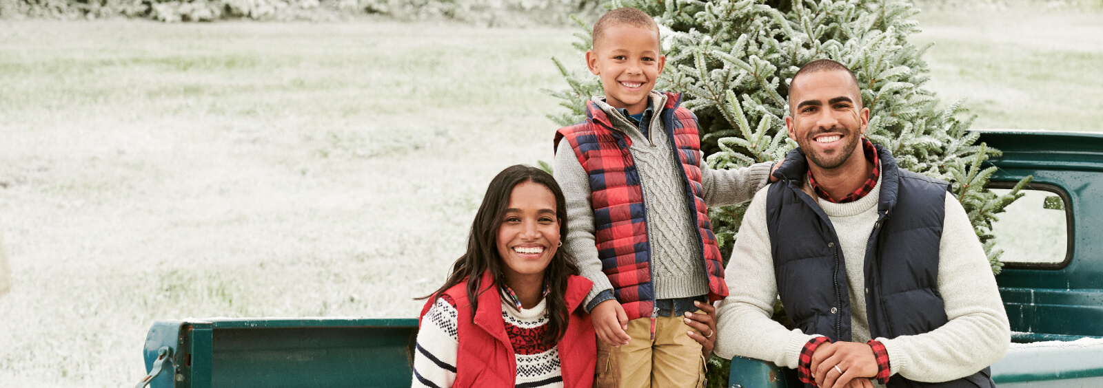What to Pack for a Holiday Family Vacation